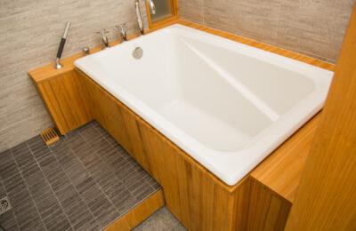 Modern-bathroom-designer-naples