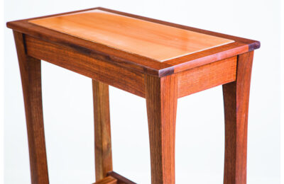 Web_0001_Pear-wood-table-top